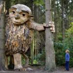 esculturas de madeira gigantes