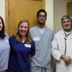 voluntários na clínica de muçulmanos