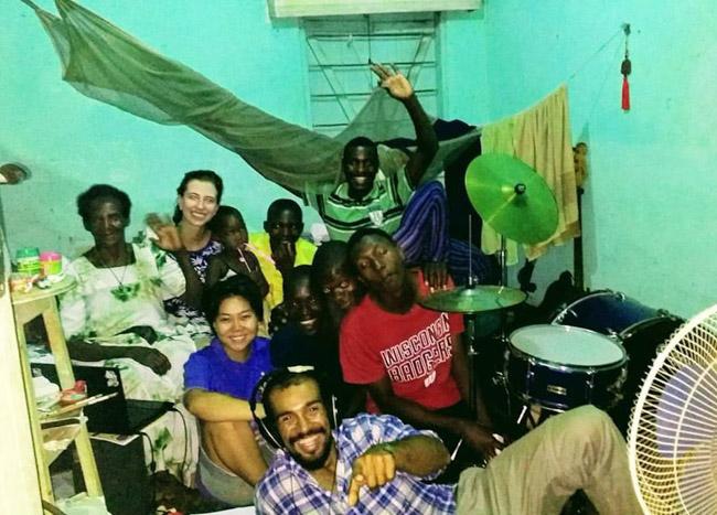 Brasileiros se unem para construir escola em Uganda e trocam aprendizados com o povo africano 7