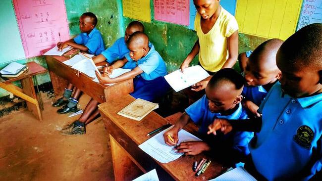 Brasileiros se unem para construir escola em Uganda e trocam aprendizados com o povo africano 1