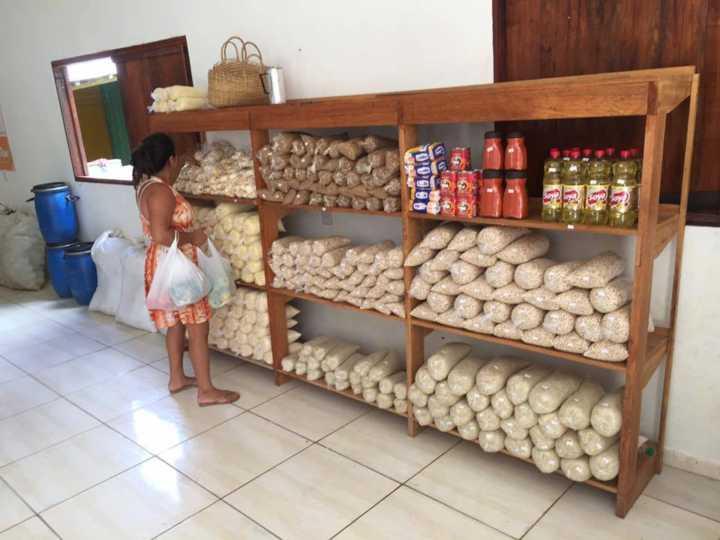 Supermercado no Acre permite trocar lixo reciclável por comida 3