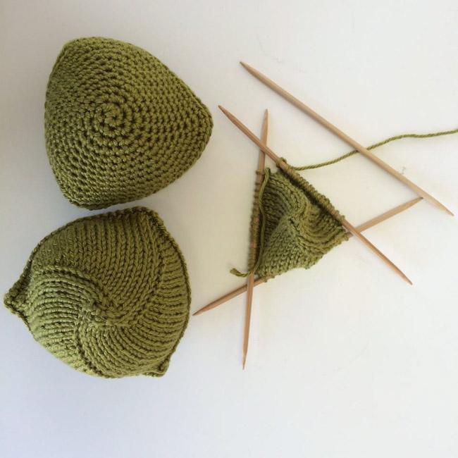 Seios de tricô ajudam a resgatar a autoestima de mulheres após câncer de mama 4