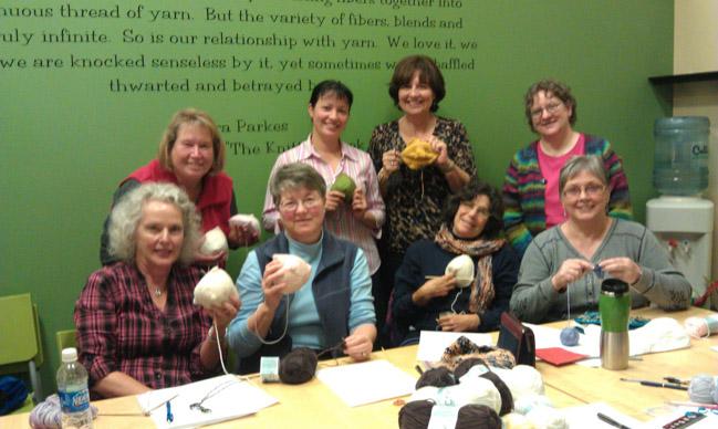 Seios de tricô ajudam a resgatar a autoestima de mulheres após câncer de mama 3