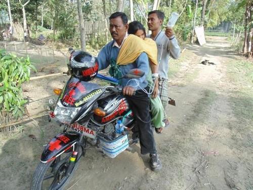 Homem Ambulância leva pacientes para hospital distante por conta própria 2