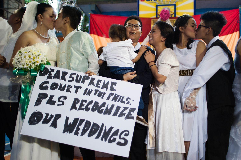 Lindas fotografias de casamentos de casais LGBT em diferentes culturas 3