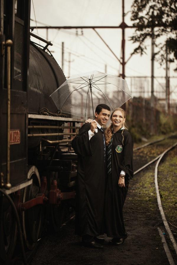 Casal brasileiro usa trem em São Paulo para ensaio inspirado em Harry Potter 10