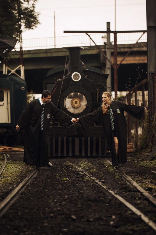 Casal brasileiro usa trem em São Paulo para ensaio inspirado em Harry Potter 9