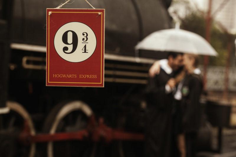 Casal brasileiro usa trem em São Paulo para ensaio inspirado em Harry Potter 6