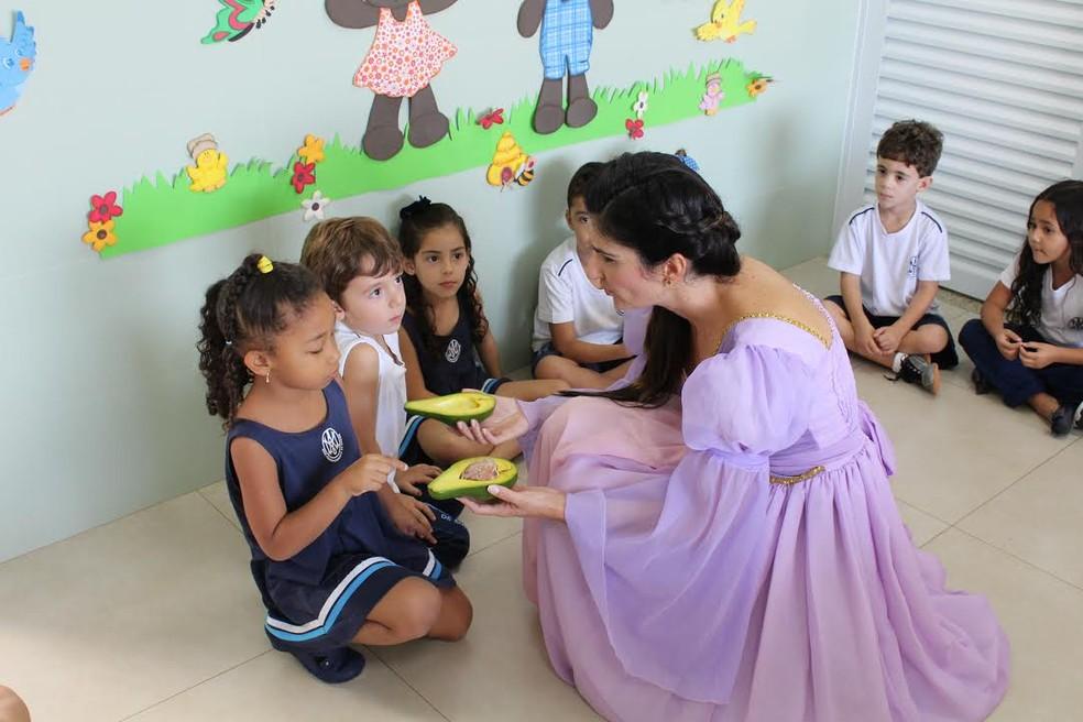 Nutricionista se fantasia de personagens infantis para ensinar crianças sobre alimentação 4