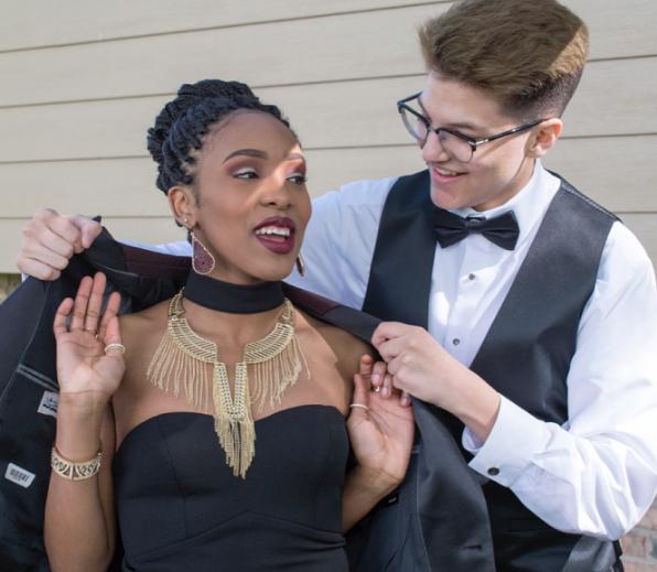 Ele é o primeiro jovem trans 'rei do baile' de sua escola 5