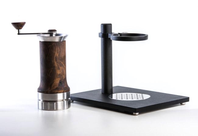 Cafeteira sustentável portátil funciona sem energia elétrica, filtro ou cápsulas 3