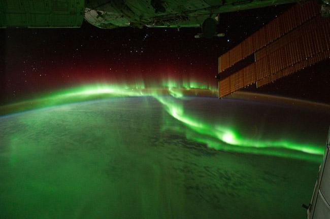 NASA divulga as 33 fotos mais surreais de auroras boreais pelo mundo 7