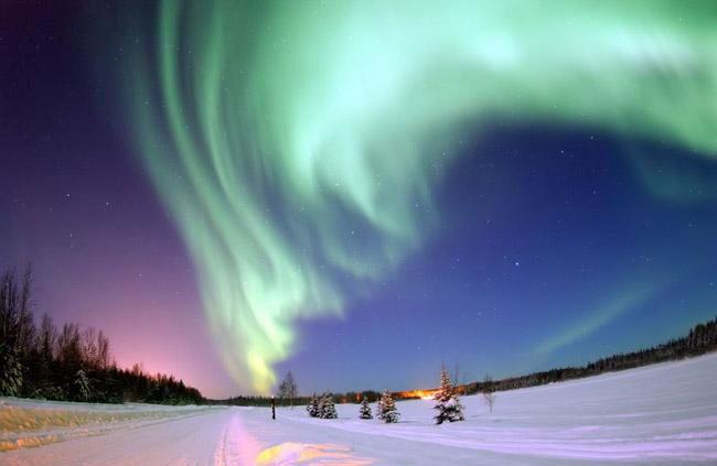 NASA divulga as 33 fotos mais surreais de auroras boreais pelo mundo 4