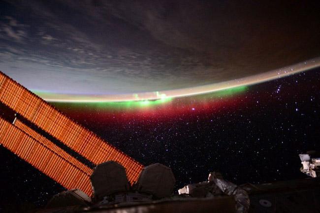 NASA divulga as 33 fotos mais surreais de auroras boreais pelo mundo 10