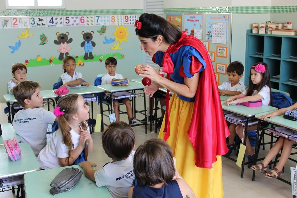 Nutricionista se fantasia de personagens infantis para ensinar crianças sobre alimentação 2