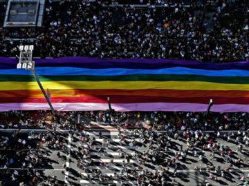 Anjos existem! Homem encontra carteira perdida na Parada LGBT e vai atrás de dono na mesma hora 1