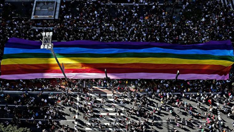 Anjos existem! Homem encontra carteira perdida na Parada LGBT e vai atrás de dono na mesma hora 5