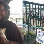 Morador de rua na Tailândia vende limões para poder dar comida para os seus gatinhos 3