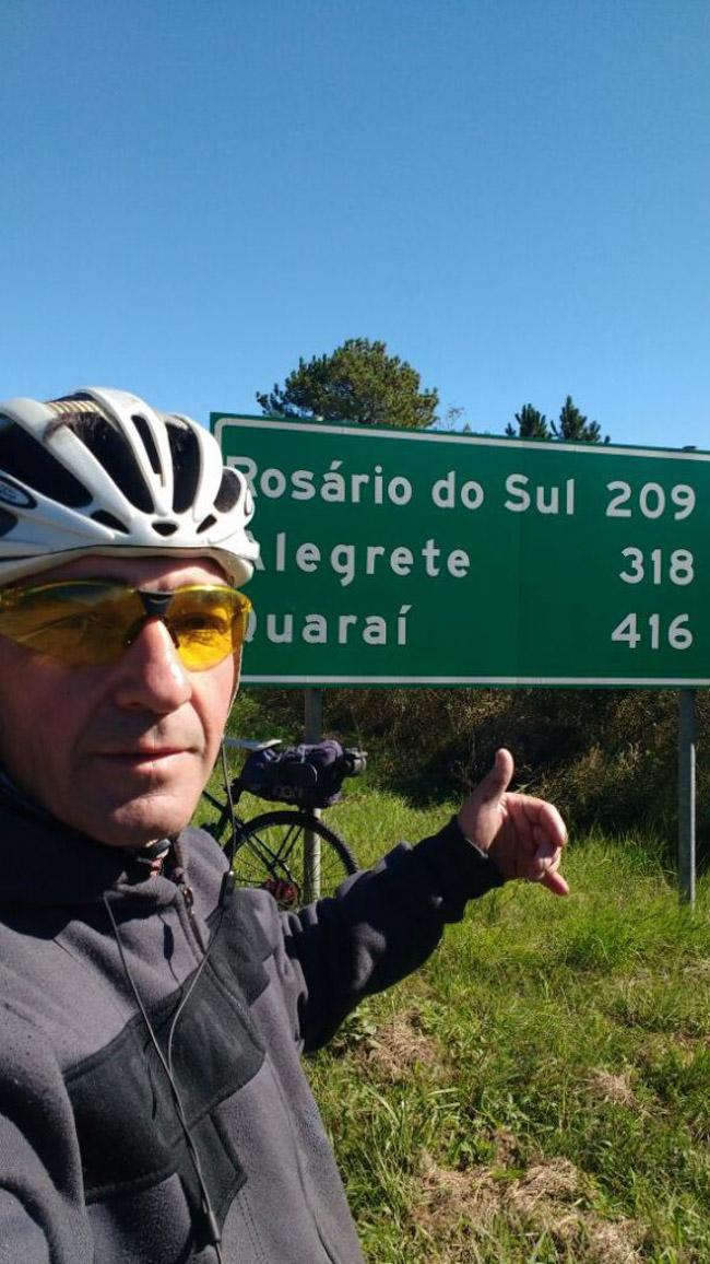 Ciclista sai de Porto Alegre e viaja mais de 1000 km para ver a filha em Florianópolis 1