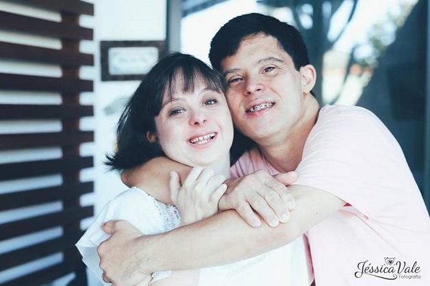 Casal com Síndrome de Down participa de um lindo ensaio que celebra o amor 7