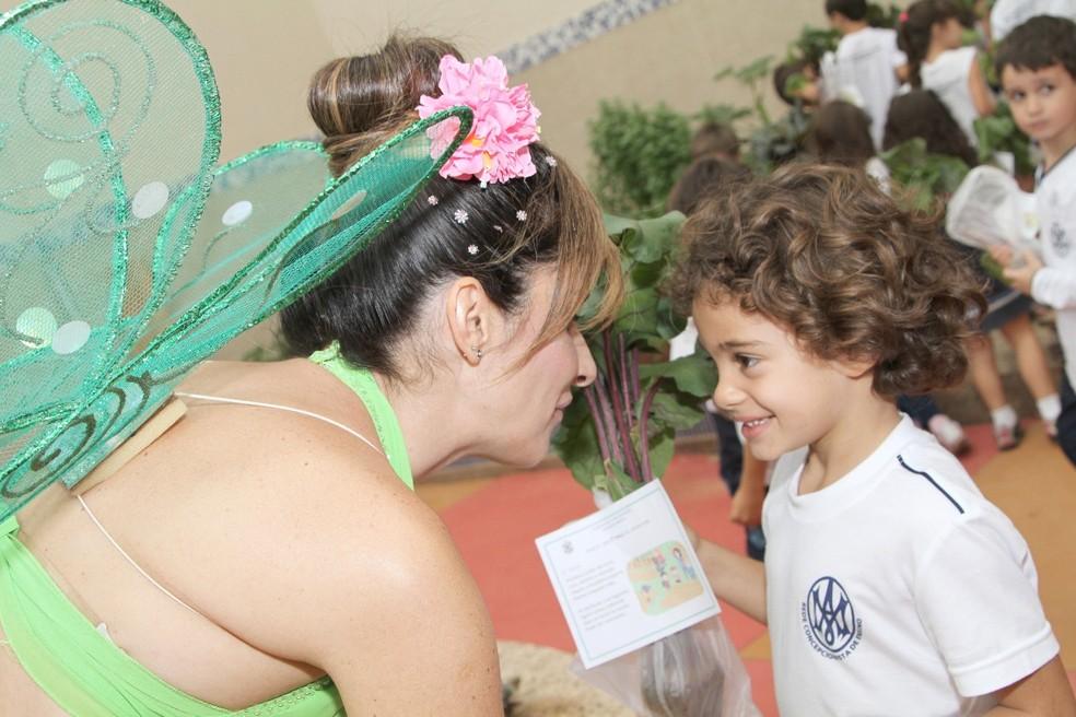 Nutricionista se fantasia de personagens infantis para ensinar crianças sobre alimentação 7