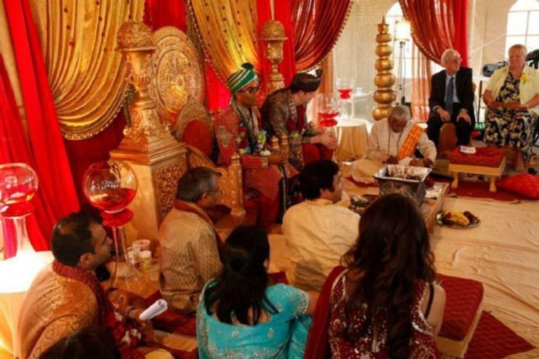 Lindas fotografias de casamentos de casais LGBT em diferentes culturas 10