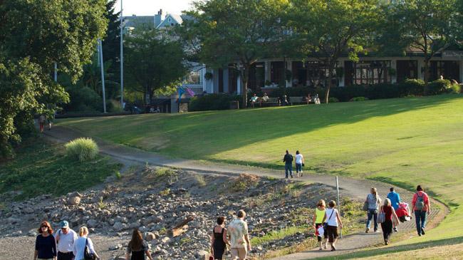 Confira 8 casos em que estradas se transformaram em parques urbanos incríveis 8