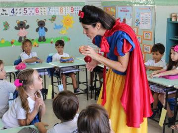 Nutricionista se fantasia de personagens infantis para ensinar crianças sobre alimentação 13