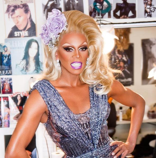 RuPaul é a primeira drag queen a ganhar uma estrela na Calçada da Fama 3