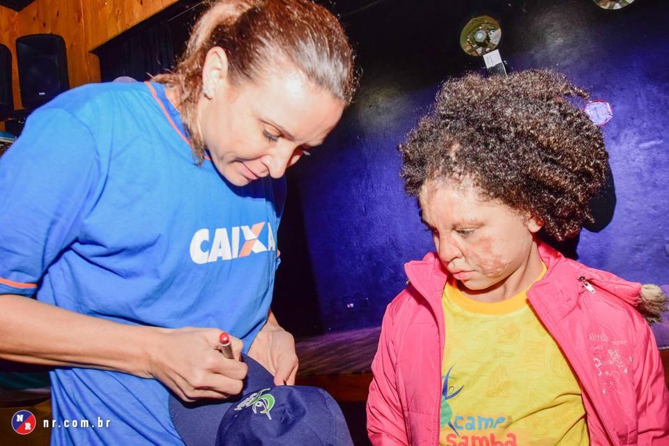 Esse acampamento que reúne crianças sobreviventes de queimaduras vai fazer com que você queira ser voluntário 3