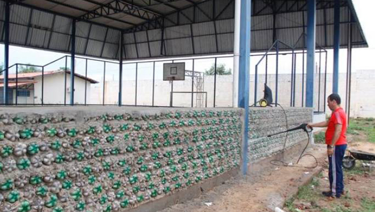 Usando 8 mil garrafas PET, alunos constroem arquibancada em escola pública do Tocantins 4