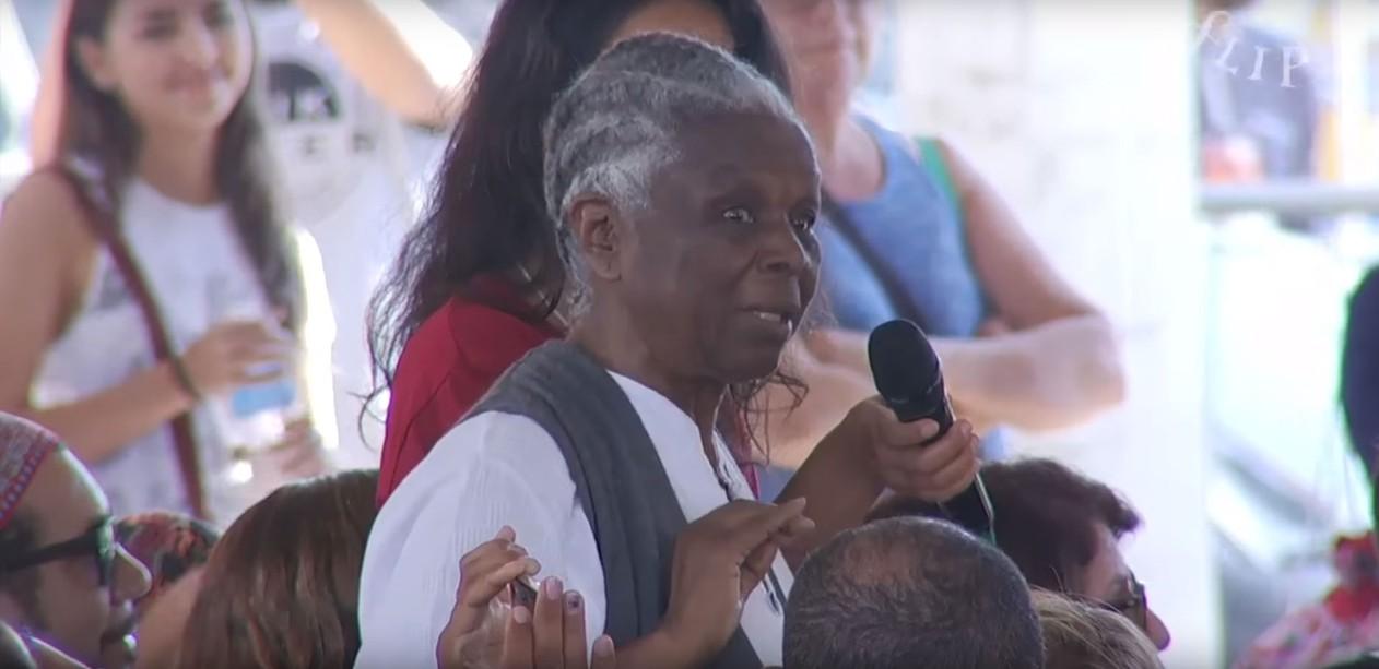 Professora aposentada emociona plateia da FLIP ao contar sobre sua luta contra o racismo 1