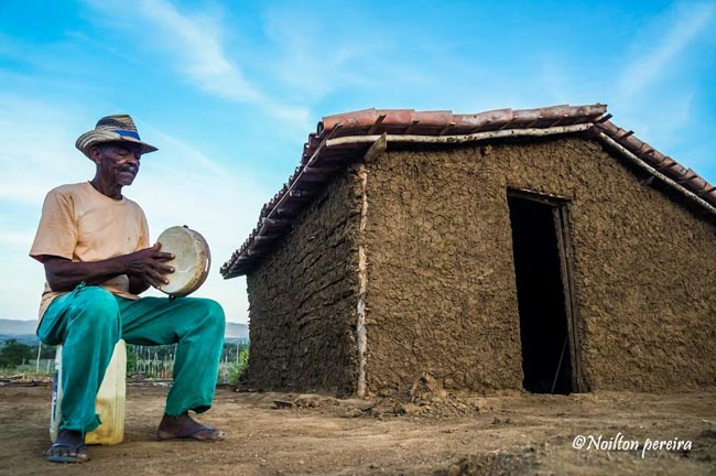 Fotógrafo baiano reverte venda de fotos em cestas básicas para famílias carentes 12