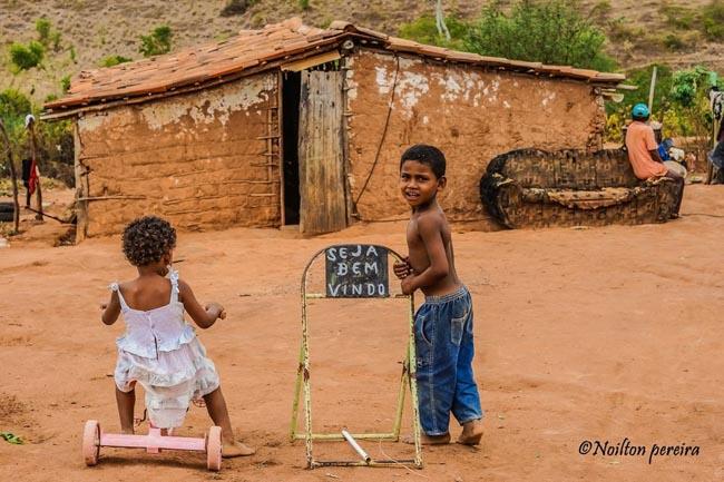 Fotógrafo baiano reverte venda de fotos em cestas básicas para famílias carentes 2