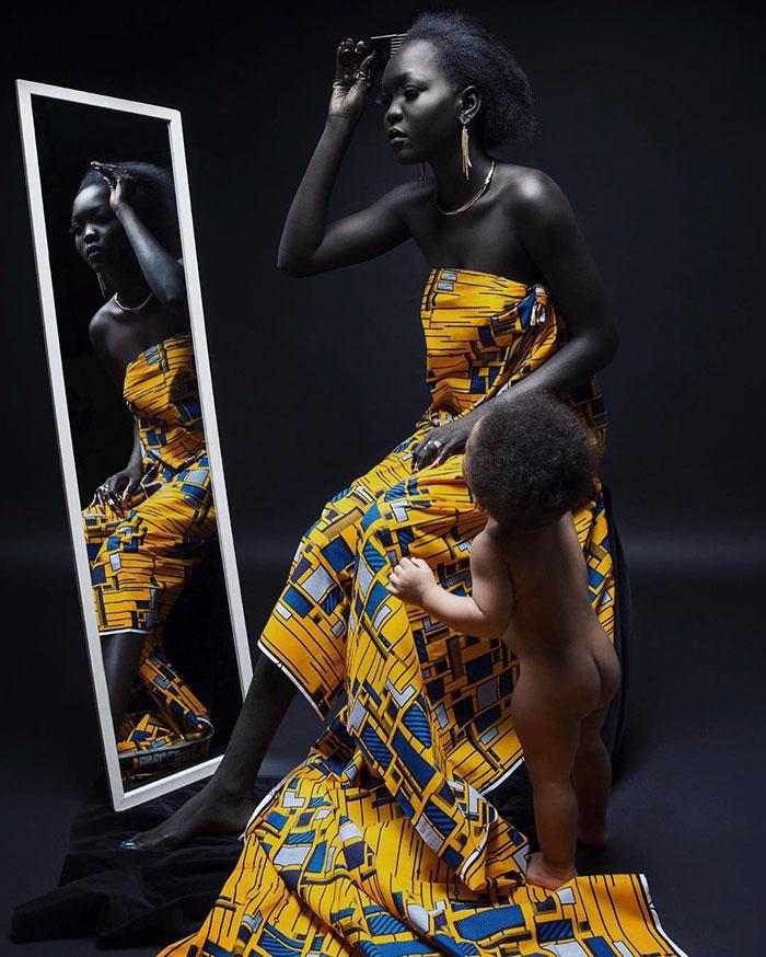 """Modelo sudanesa que faz sucesso na web já ouviu de motorista de Uber que ela deveria """"alvejar"""" sua pele 2"""