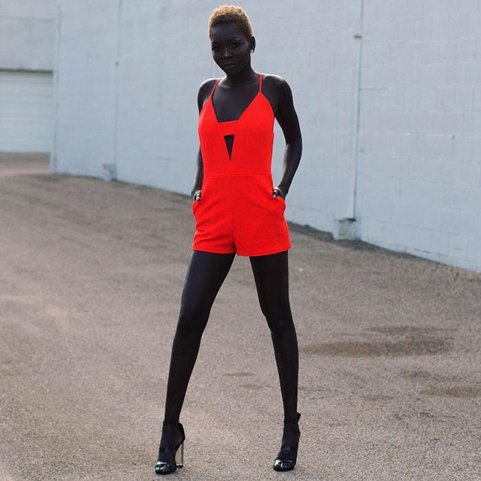 """Modelo sudanesa que faz sucesso na web já ouviu de motorista de Uber que ela deveria """"alvejar"""" sua pele 7"""