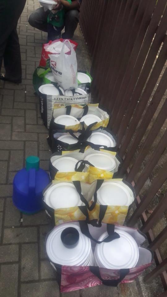Costureira distribui marmitas para familiares de pacientes que esperam em hospital em Curitiba 1