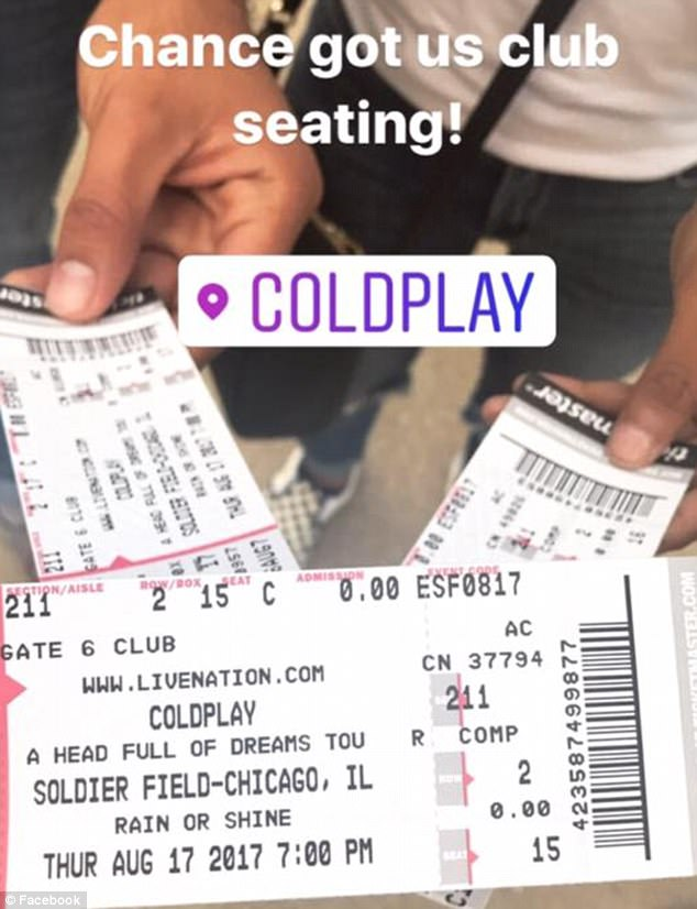 Chefe organiza visita surpresa de vocalista do Coldplay para funcionária com doença rara 5