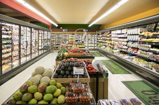 """Supermercados criam """"hora quieta"""" para diminuir transtorno de autistas e suas famílias 4"""