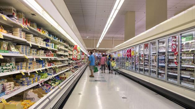"""Supermercados criam """"hora quieta"""" para diminuir transtorno de autistas e suas famílias 5"""