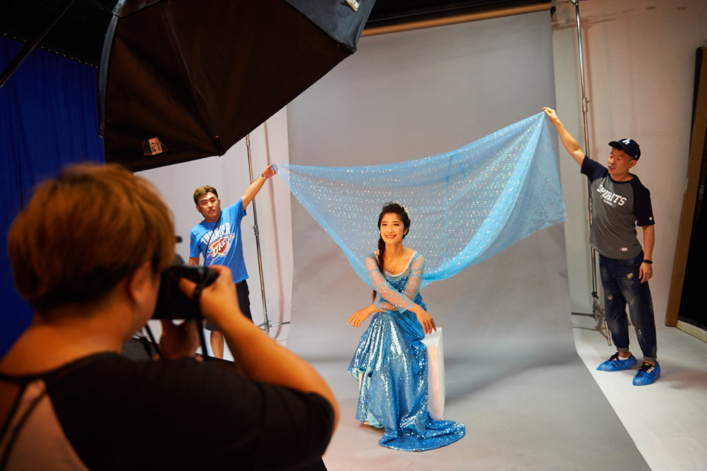 Disney faz campanha fotográfica incentivando as mulheres a sonharem alto 12