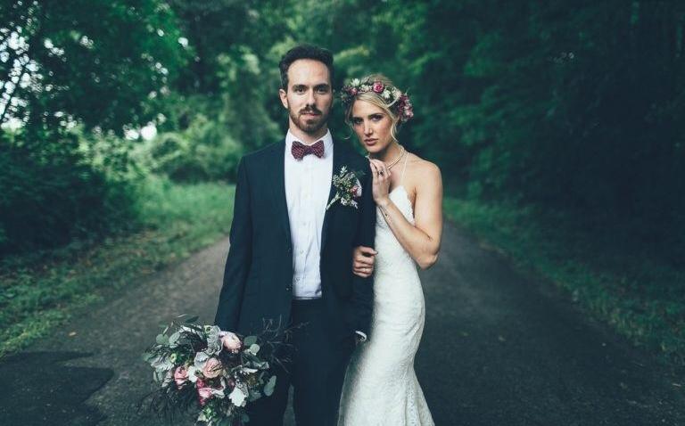Homem se casa com a mulher que não o deixou se suicidar há 10 anos 4