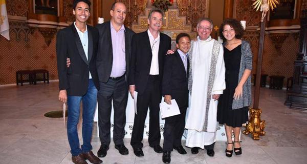 Papa Francisco envia carta desejando felicidades a casal gay que batizou filhos 1