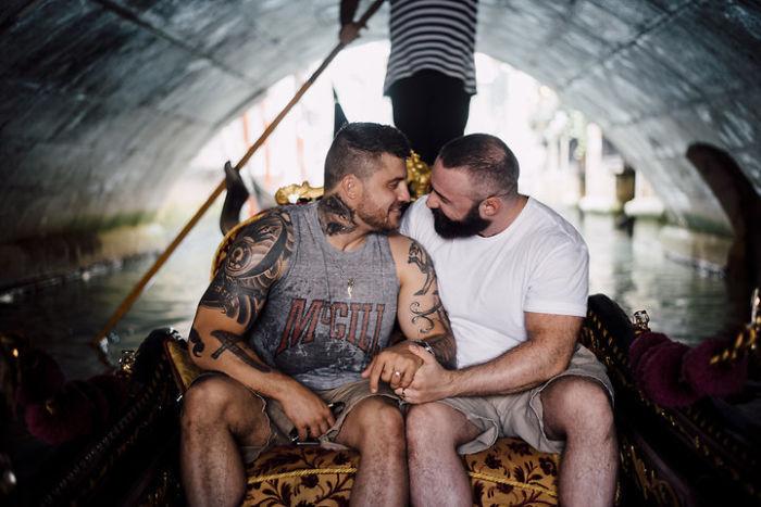 Saltador olímpico é pedido em casamento em Veneza e as fotos são apaixonantes 3