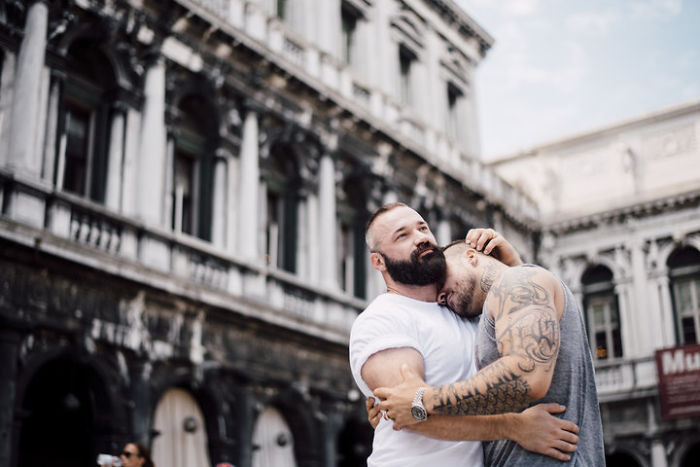 Saltador olímpico é pedido em casamento em Veneza e as fotos são apaixonantes 8