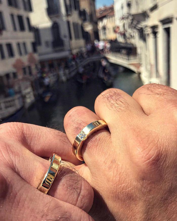 Saltador olímpico é pedido em casamento em Veneza e as fotos são apaixonantes 6