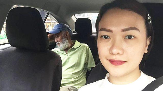 Passageira dirige táxi para motorista descansar após um longo dia de trabalho 1