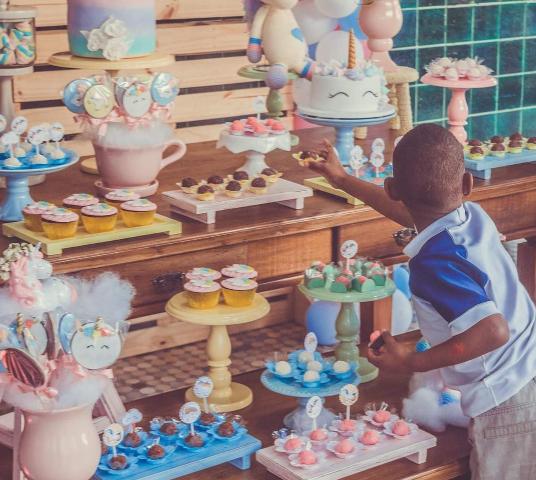 Projeto faz festas de aniversários para crianças carentes que moram em abrigos 3