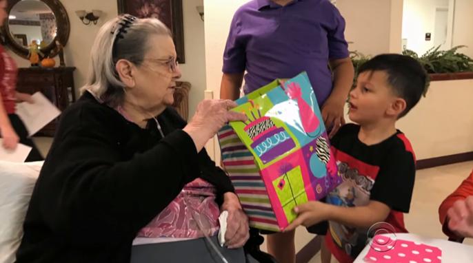 """Vizinha recebe carta angustiante de idosa de 90 anos: """"Por favor, eu rezo pra ter alguém"""" 6"""