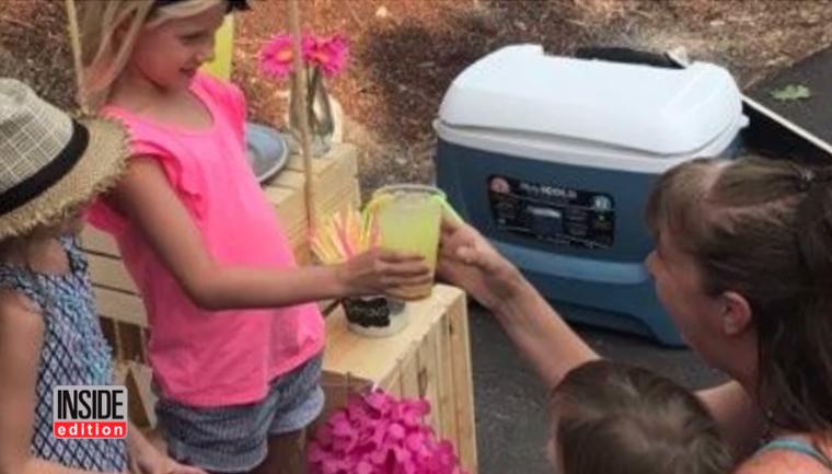 Menina vende limonada para quitar dívida de outras crianças 3